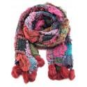 Écharpe tricotée rouge