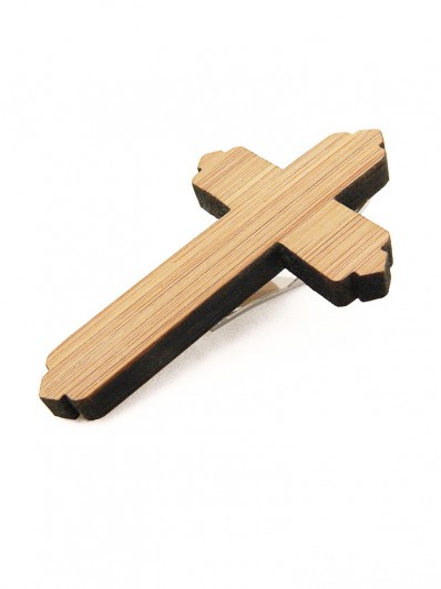 Pince cravate en croix