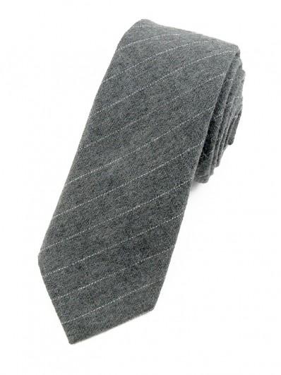 Cravate grise à fines rayures