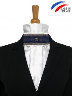 Cravate de dressage