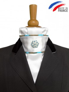 Cravate de dressage perlée