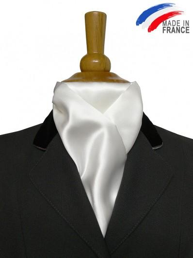 Cravate équestre classique